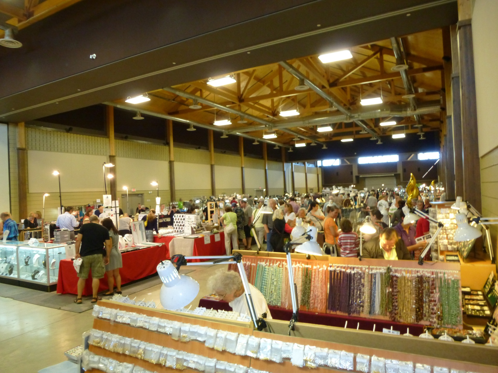 Over 35 Jewellery & Rock & Mineral Vendors